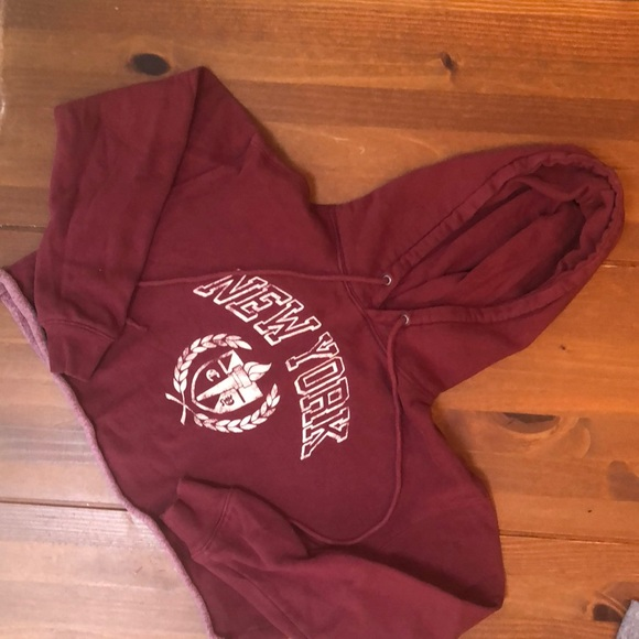 Cropped New York hoodie